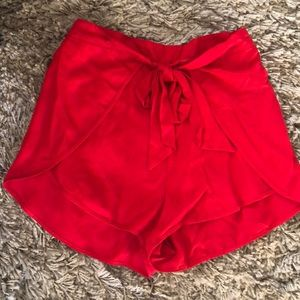 Urban outfitter short size large. Worn once